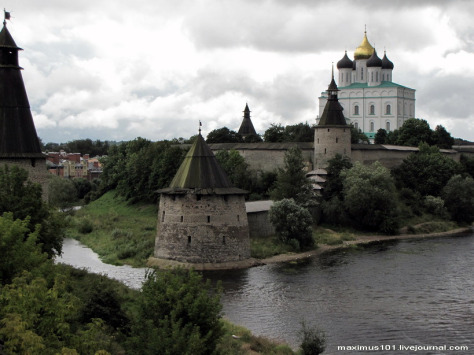 pskov-city-kremlin-views-1